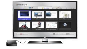 El LG SMart TV se conecta por HDMi al televisor.