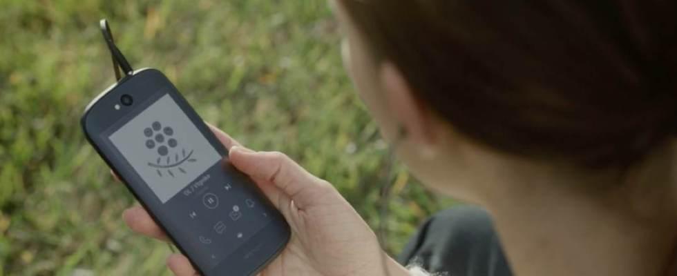 yota phone back