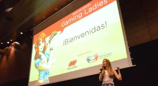 Gaming Ladies- Marina Amores