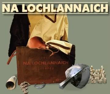 Pasgan a tha an cois ciste làn de mhic-samhail nithean Lochlannach