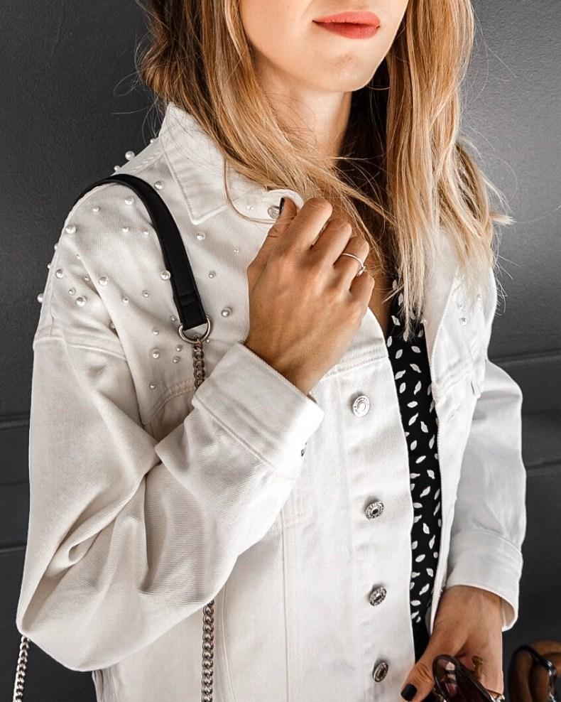 veste en jean blanche