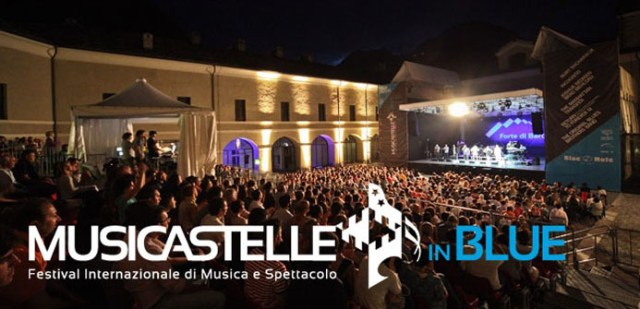 Musicainstelle-in-Blue-locandina