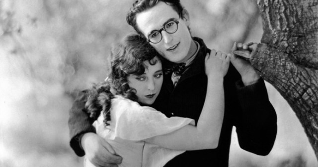 1 Harold Lloyd in %22THE KID BROTHER%22