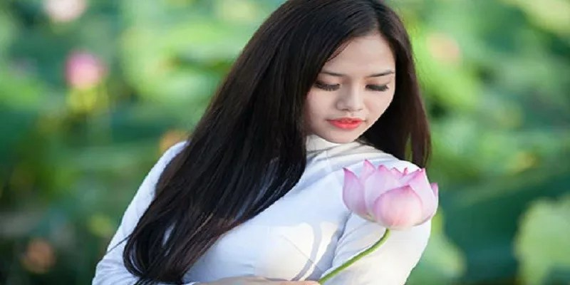 Why Should You Date A Vietnamese Girl?