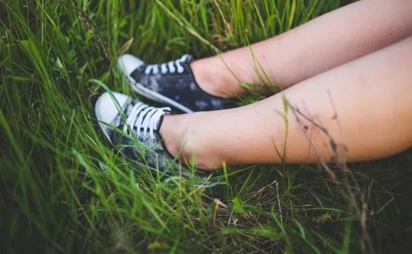 How to preserve shoes from getting green grass stains