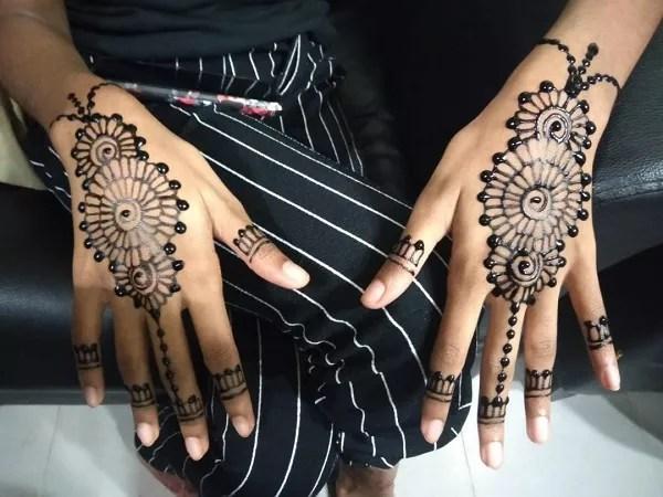 Easy Mehndi Design