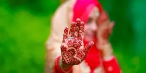 Read more about the article 50+ Easy Mehndi Designs For All Occasions 2021