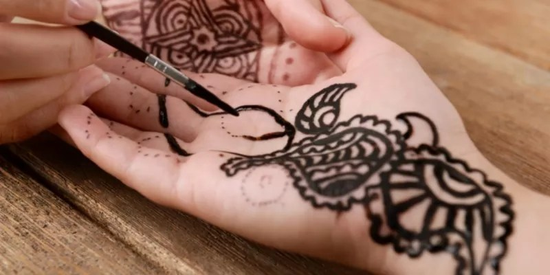 Read more about the article 40+ Front Hand Mehndi Designs 2021