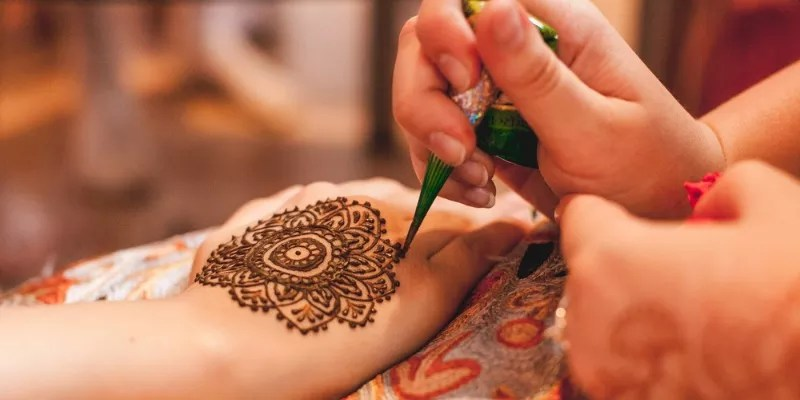 Read more about the article 50+ Latest Mehndi Designs For All Occasions 2021