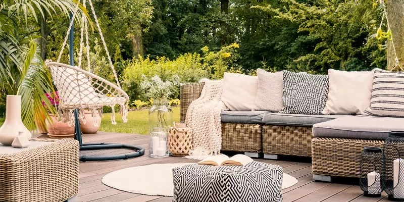 You are currently viewing Tricks To Maximize Patio Space With Garden Furniture