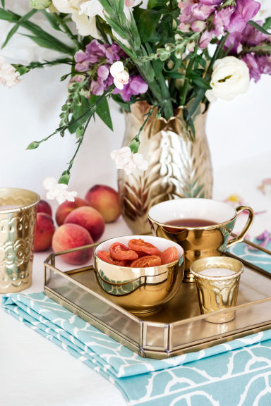H&M gold tea set