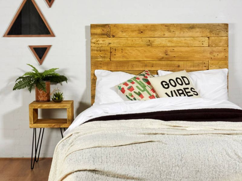 headboard feature pic