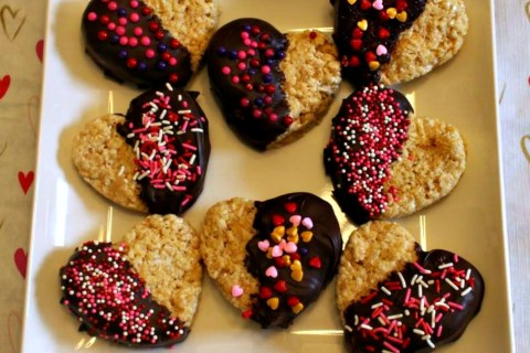 Chocolate Dipped Rice Krispies Treat Hearts - perfect for Valentine's Day!