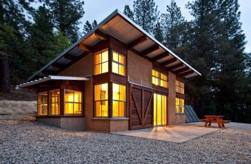Adorable Cabin Style Ideas For Small House 39