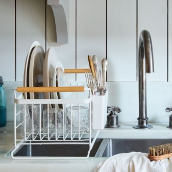 Beautiful Dish Rack Ideas For Your Small Kitchen 21
