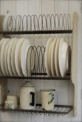 Beautiful Dish Rack Ideas For Your Small Kitchen 46