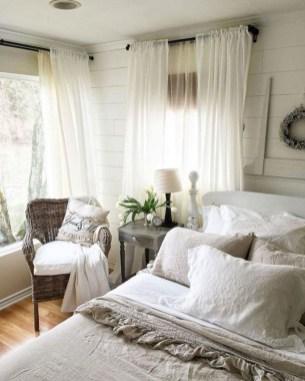 Captivating Farmhouse Bedroom Ideas 16