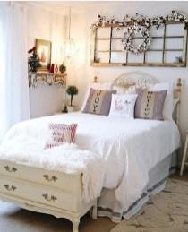 Captivating Farmhouse Bedroom Ideas 39