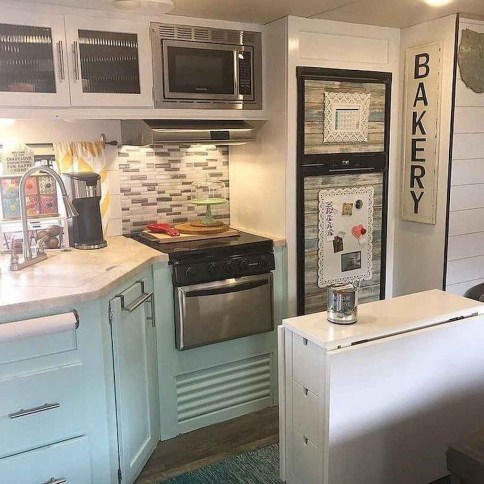 Cool Rv Decoration Ideas You Can Try 43