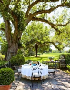 Outstanding Outdoor Dining Room Ideas 22