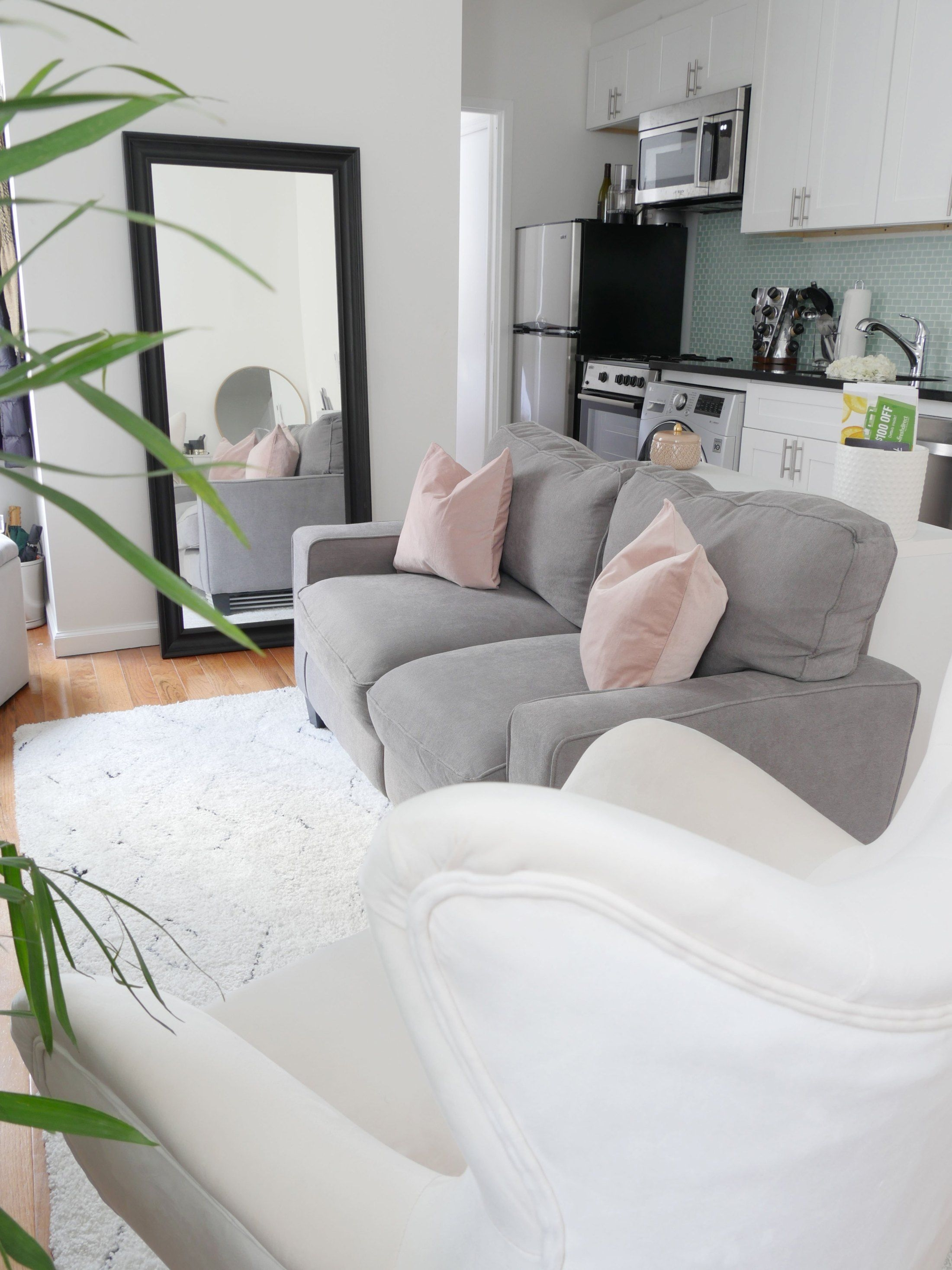 Astonishing Rental Apartment Decorating Ideas 23