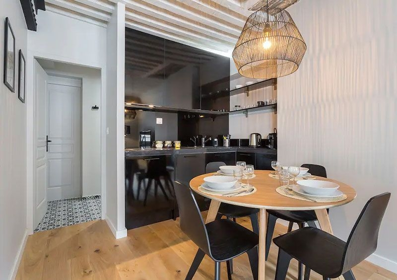 Astonishing Rental Apartment Decorating Ideas 27