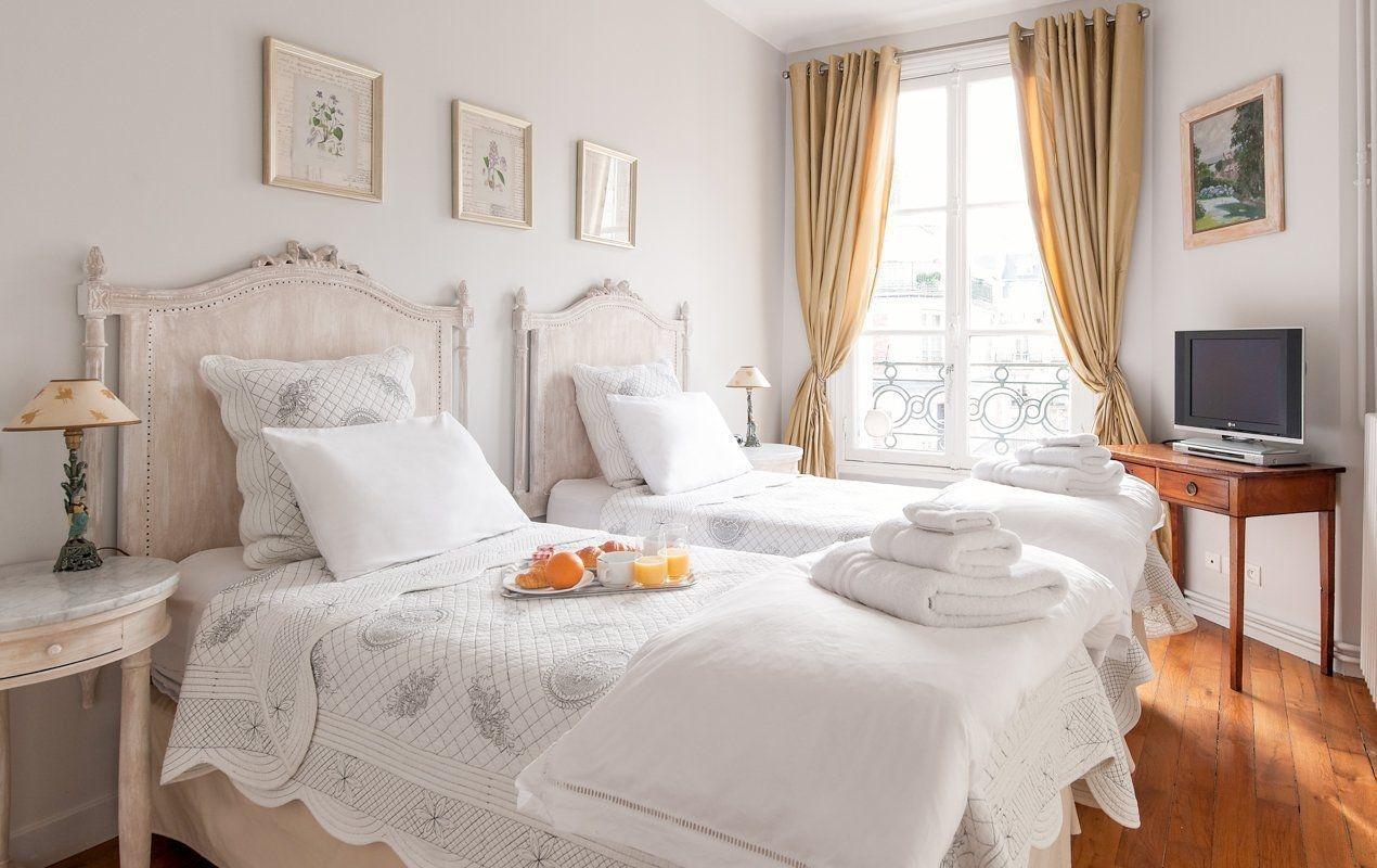 Astonishing Rental Apartment Decorating Ideas 36