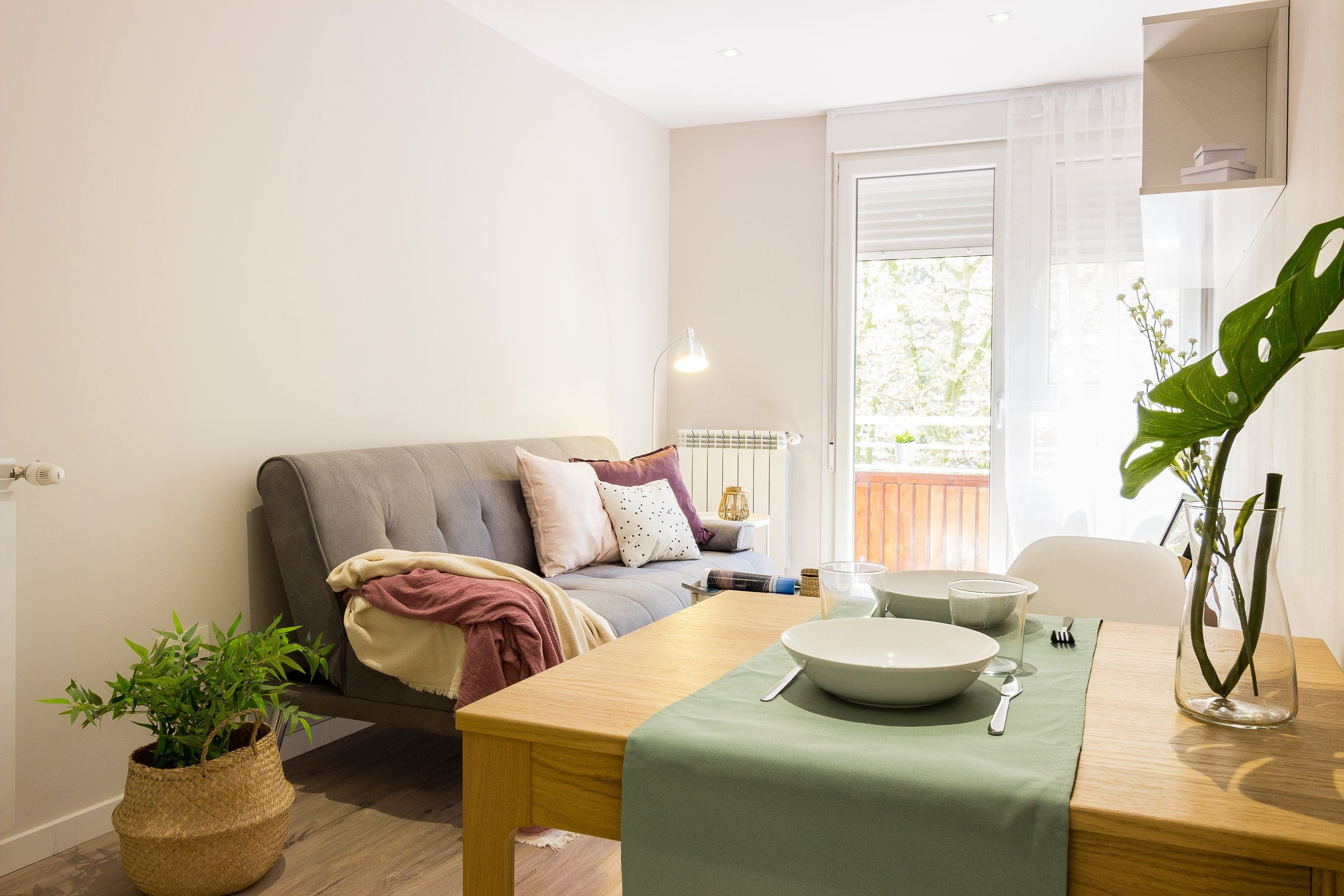 Astonishing Rental Apartment Decorating Ideas 50