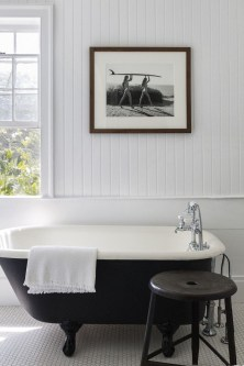 Brilliant Art Ideas For Bathroom To Try 14