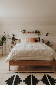 Catchy Bedroom Ideas That Will Make You Cozy 11