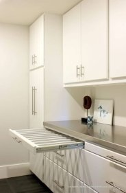 Cozy Laundry Room Storage Design Ideas 10