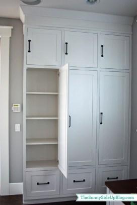 Cozy Laundry Room Storage Design Ideas 25