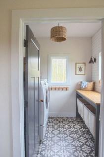 Elegant Laundry Room Design Ideas 02