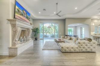 Extraordinary Living Room Design Ideas With Floor Granite 05