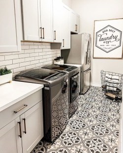 Fabulous Functional Laundry Room Decoration Ideas On A Budget 02
