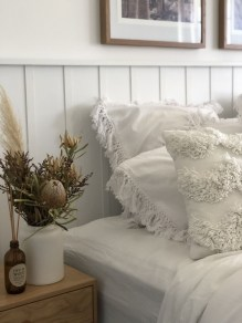 Fantastic Diy Bedroom Headboard Ideas To Make It More Comfortable 41