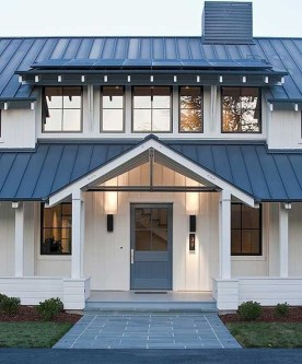 Incredible Farmhouse Exterior Ideas With Metal Roof 09