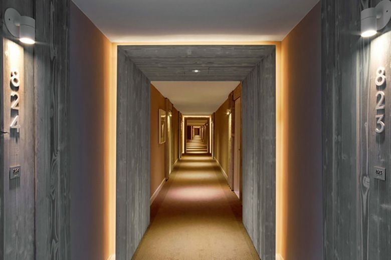 Marvelous Home Corridor Design Ideas That Looks Modern 13