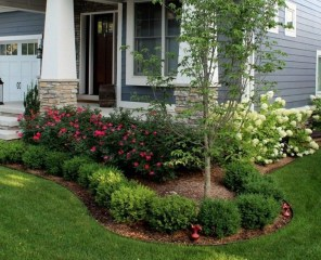 Pretty Front Yard Landscaping Ideas 44