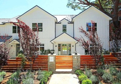 Wonderful Front Yard Ideas With Contemporary Fence 03