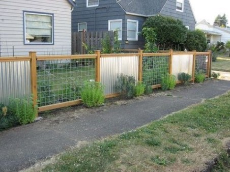 Wonderful Front Yard Ideas With Contemporary Fence 07