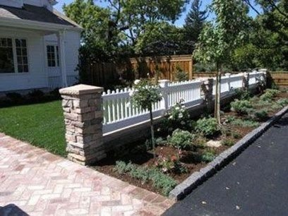 Wonderful Front Yard Ideas With Contemporary Fence 35