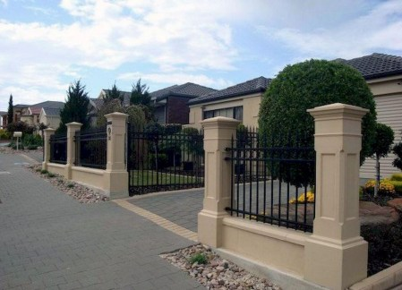 Wonderful Front Yard Ideas With Contemporary Fence 46
