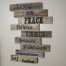 Chic Diy Pallet Wall Art Ideas To Try 13
