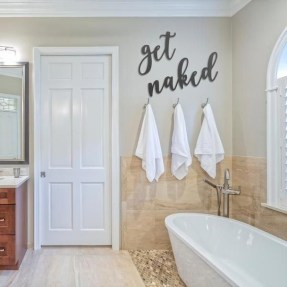 Comfy Bathroom Decor Ideas To Try This Year 19