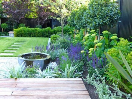 Fabulous Garden Design Ideas For Small Space That Looks Cool 15