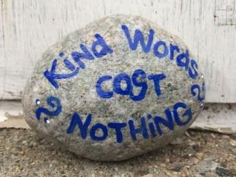 Fascinating Painted Rocks Quotes Design Ideas 09