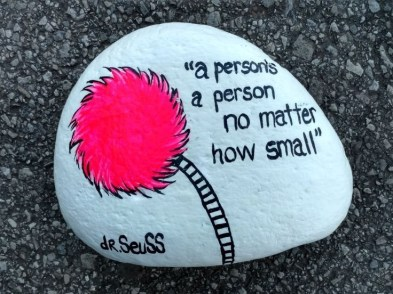 Fascinating Painted Rocks Quotes Design Ideas 17