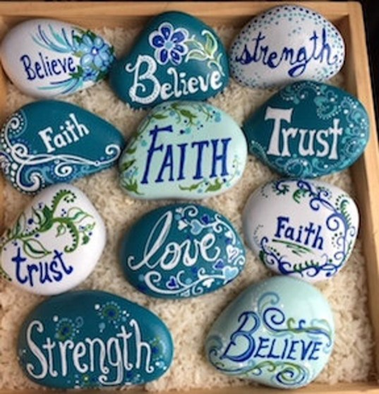 Fascinating Painted Rocks Quotes Design Ideas 37