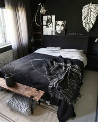 Gorgeous Bedroom Ideas For Couples On A Budget To Try 27